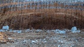 底层,石渣,在被铺的路下 图库摄影