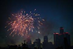 底特律地平线烟花 免版税库存照片