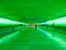 底特律机场走道-绿色 免版税库存图片