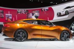 底特律- 1月26 :日产炫耀轿车概念在Nort 库存图片