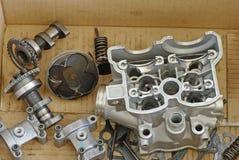 底部引擎摩托车分开视图 免版税库存图片
