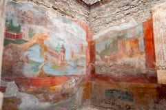 庞贝城,最保存良好的考古学站点在世界上,意大利 小喷泉的议院的内部,在的壁画 图库摄影