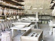 庞贝城,意大利- 5月06;在石膏模型保存的人的身体w 库存照片
