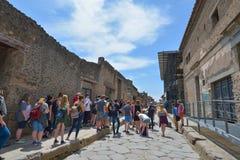 庞贝城,意大利- 6月01 :在维苏威的爆发的以后庞贝城废墟在庞贝城, 2016年6月01日的意大利 图库摄影