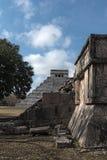 废墟、金字塔和寺庙在奇琴伊察,尤加坦,墨西哥 免版税库存照片