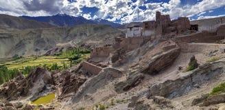 废墟全景在Basgo修道院, Leh,拉达克,查谟和克什米尔,印度的 库存照片