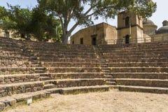 废墟在利帕里岛,西西里岛海岛上的利帕里岛镇  库存照片