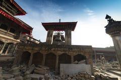 废墟在地震以后的加德满都,市Bhaktapur 2018年12月2017 免版税图库摄影