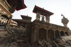 废墟在地震以后的加德满都,市Bhaktapur 2018年12月2017 免版税库存照片