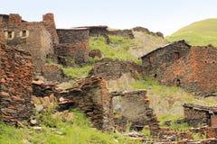 废墟在Kvavlo村庄 Tusheti地区(乔治亚) 库存照片