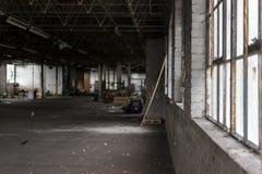 废墟的离开的被毁坏的工厂 库存照片
