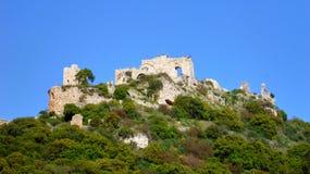 废墟看法在小山上面的  库存图片