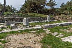 废墟看法在Aliki, Thassos海岛、东部马其顿和色雷斯,希腊考古学站点  免版税图库摄影