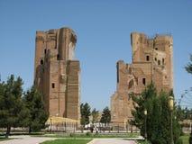 废墟门Ak-Sarai宫殿在Shakhrisabz,乌兹别克斯坦 库存照片