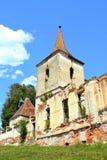 废墟 被加强的中世纪撒克逊人的福音派教会在村庄Felmer, Felmern,特兰西瓦尼亚,罗马尼亚 免版税库存照片