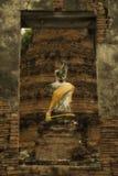 废墟wat Suwandawas菩萨雕象  免版税图库摄影