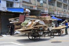 废弃物收集乘三轮车 免版税库存照片