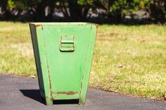 废弃物收集的金属容器 免版税库存图片