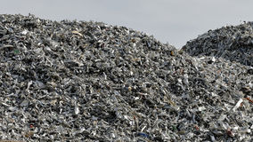 废金属和粗纸板 免版税库存照片