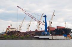 废金属运输者船 免版税图库摄影