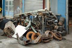 废金属,老汽车零件 免版税库存图片