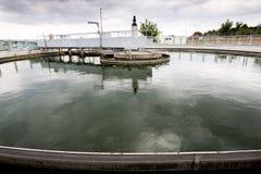 废水处理植物储水箱 图库摄影