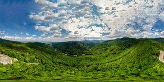 360度全景鸟瞰图从寄生虫到孚日省山 库存照片