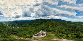 360度全景鸟瞰图从寄生虫到孚日省山 免版税库存图片