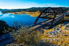 360座桥梁奥斯汀得克萨斯早晨日出 免版税库存照片