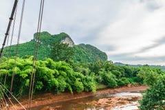 2座桥梁绳索 免版税库存照片