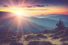 1257座高米山山波兰skrzyczne日出视图 库存照片