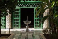 庭院和喷泉 库存照片