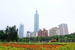 庭院在全国孙中山和台北101, 免版税图库摄影