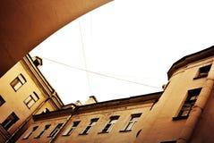 庭院在圣彼德堡 免版税库存照片