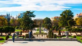 庭院在马德里的主要公园城市 库存照片