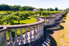 庭院在Peterhof宫殿在圣彼得堡,俄罗斯 库存图片