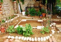 庭院地产准备的棚子 免版税库存照片