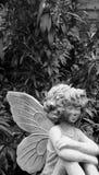 庭院天使 免版税库存照片