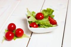 庭院混合沙拉 免版税库存图片