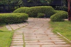 庭院石道路 免版税库存照片
