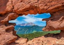 庭院神岩石视窗 免版税图库摄影