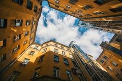 庭院结构形状在圣彼得堡 免版税库存照片