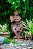 庭院装饰品-印地安跳舞小雕象 免版税库存图片