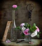 庭院锁上玫瑰 免版税库存图片