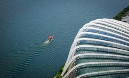 庭院鸟瞰图由海湾的在新加坡 免版税库存照片