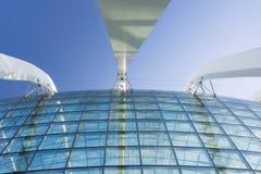 庭院,新加坡玻璃圆顶由海湾的 免版税库存图片