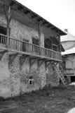庭院 中世纪宫殿的幻想重建在村庄Racos,特兰西瓦尼亚 库存照片