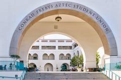 康列得Prebyz在圣地亚哥Sta校园里的Astec大学生联盟  库存照片