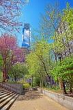 康卡斯特在费城集中从爱公园观看的摩天大楼 免版税库存图片