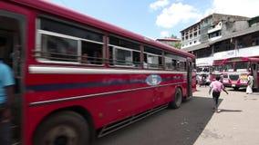康提的汽车站在斯里兰卡 股票视频